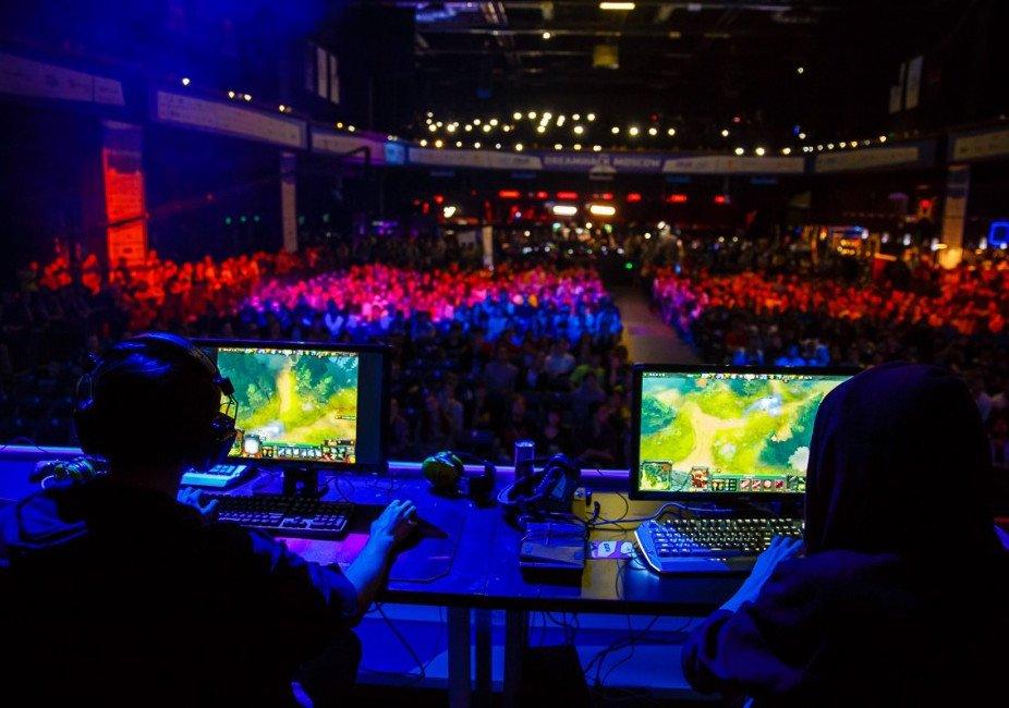 Фестиваль компьютерных игр икиберспорта «DreamHack» 2015