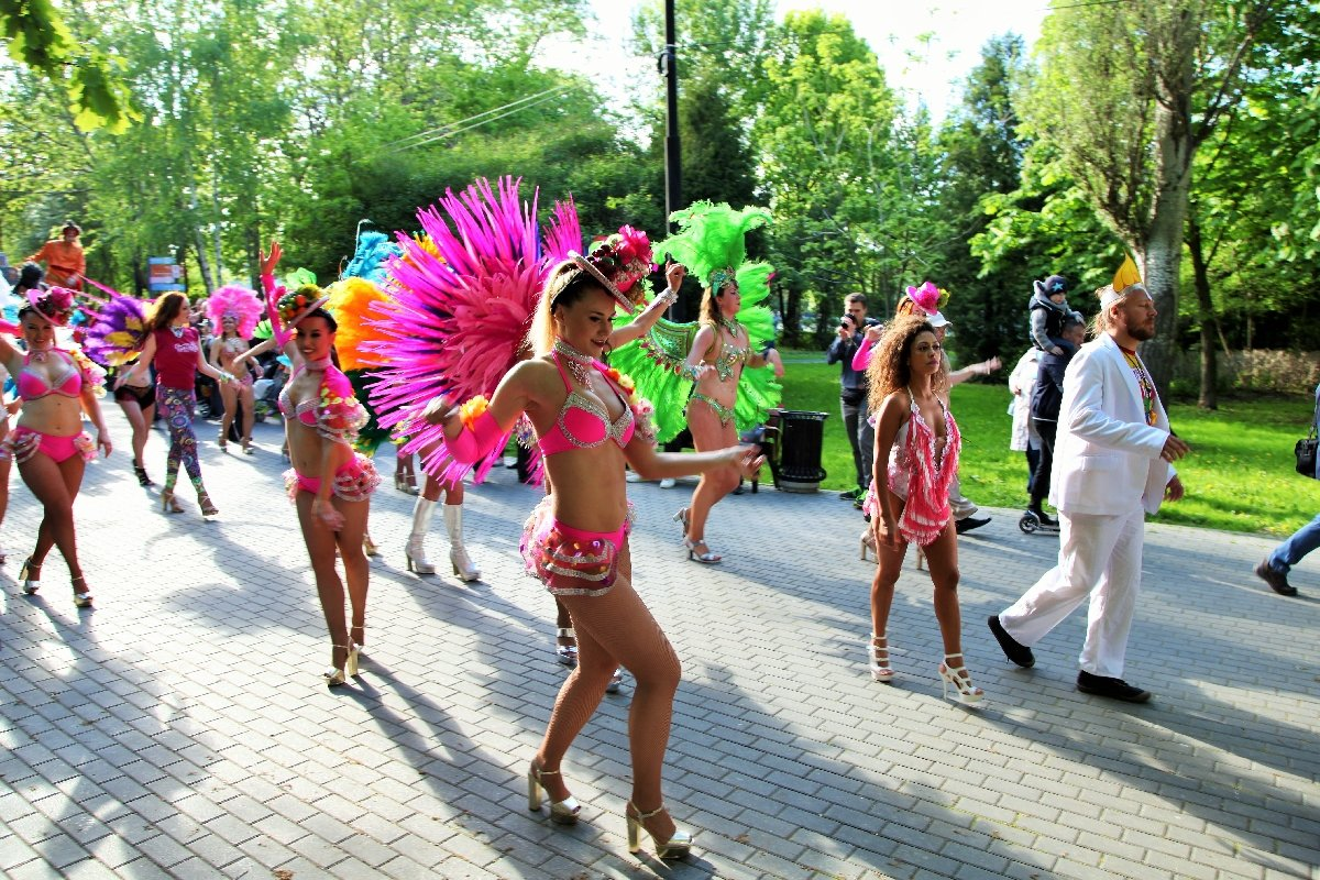 Бразильский карнавал вИзмайловском парке 2018