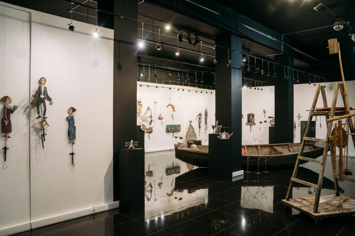 Выставка «Мир нанитях»