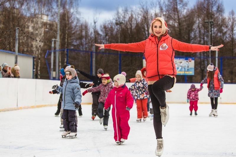 Открытие зимнего сезона вГончаровском парке 2016