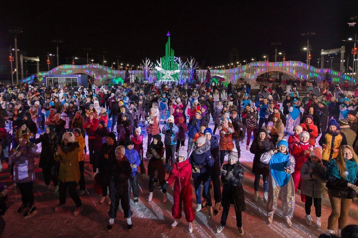 Новогодняя ночь 2017 накатке ВДНХ