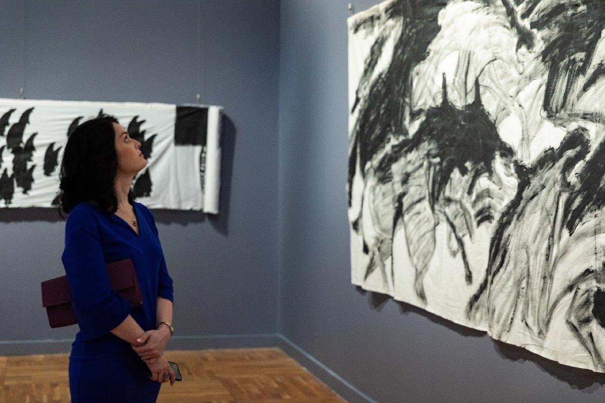 Выставка «Хаим Сокол. Внекотором смысле ястановлюсь ими, аони мной»