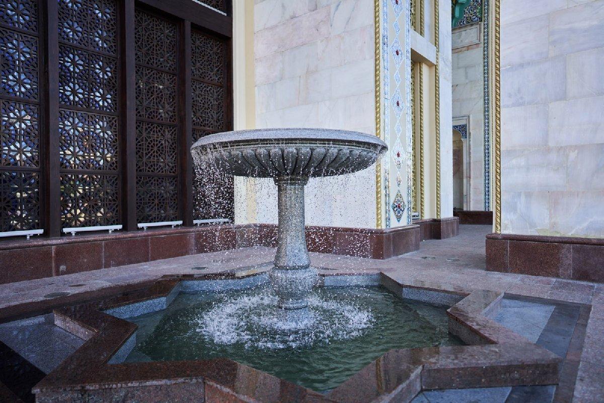 Чаши фонтанов упавильона№ 14 Республики Азербайджан