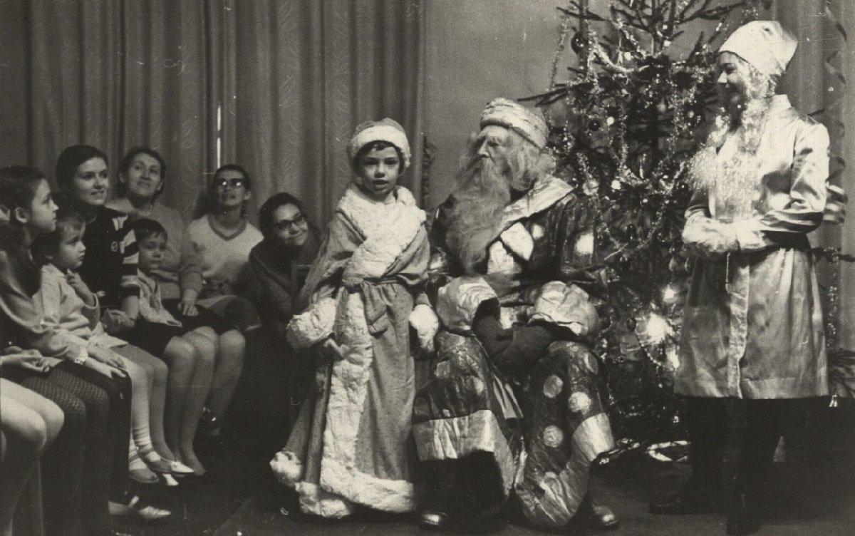 Выставка «Новогодняя история. Традиции празднования»