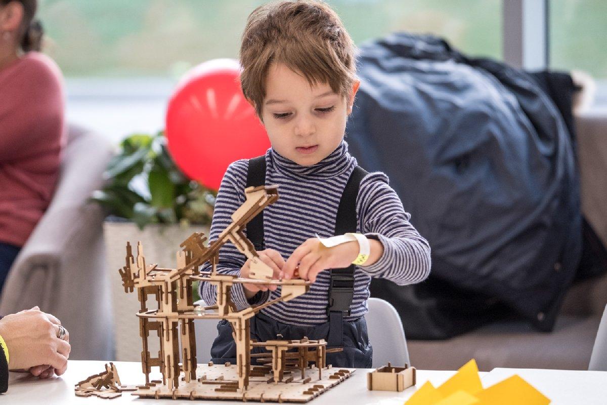Новогодний фестиваль «Фабрика подарков» 2019