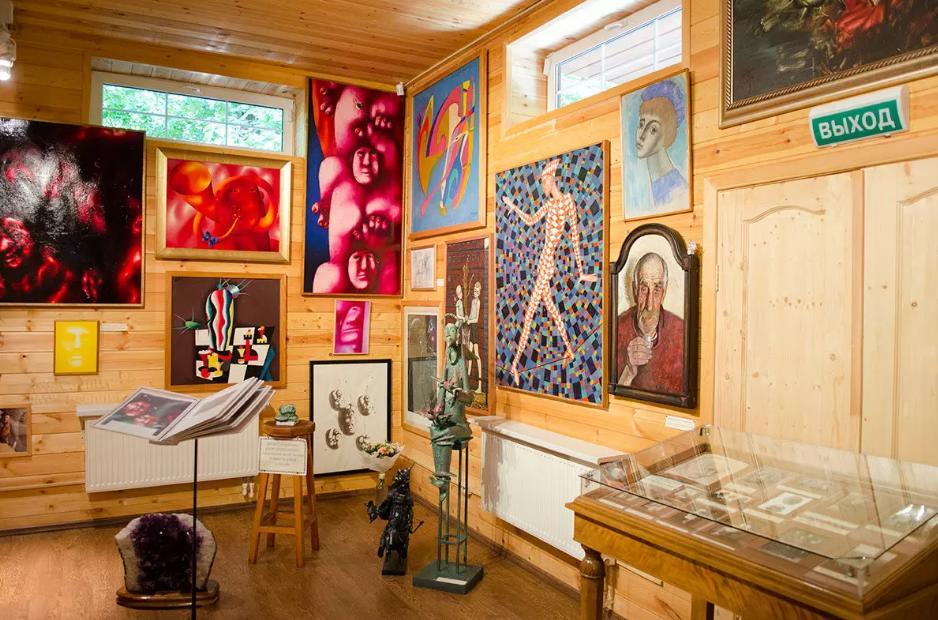 Музей-галерея Е. Евтушенко