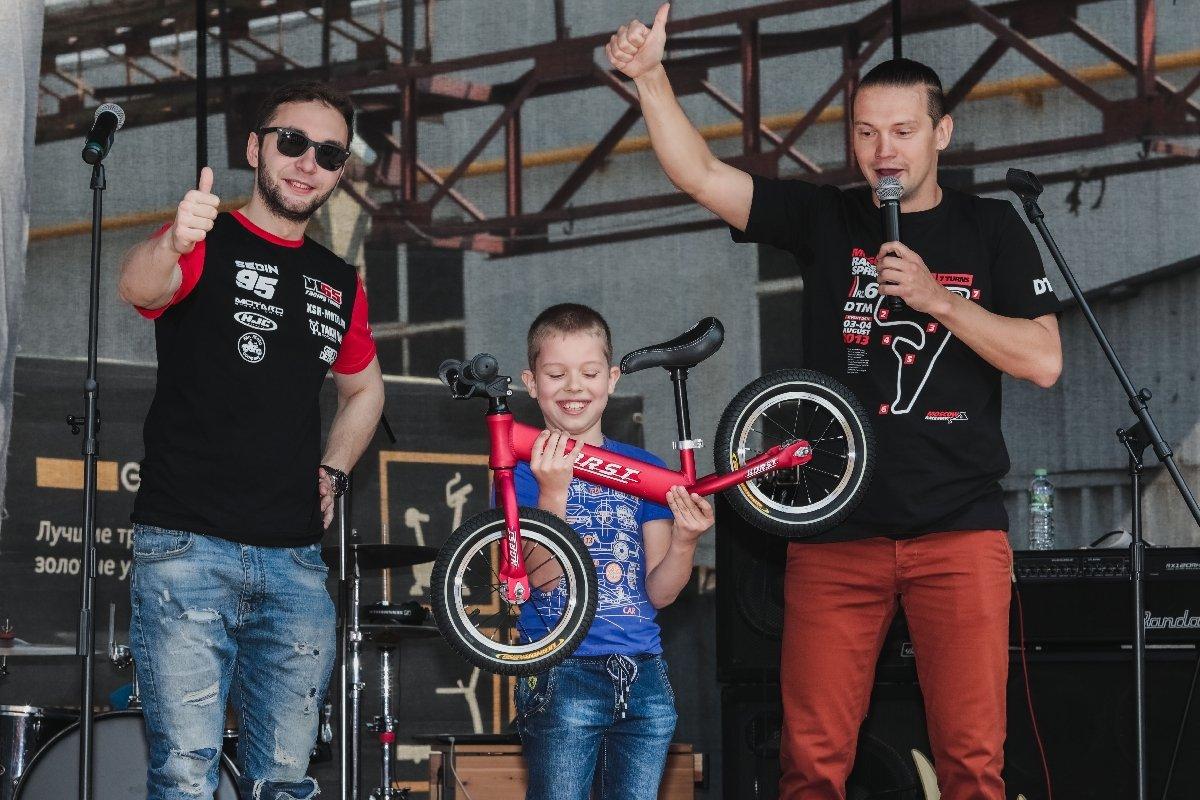 Спортивный Новый год вТЦ «СпортХит» 2019