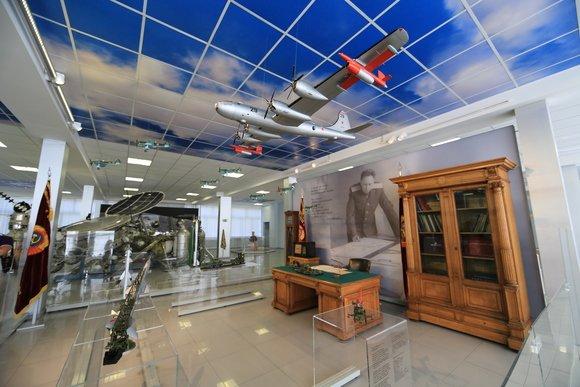 Выставка «От самолетов домежпланетных станций»