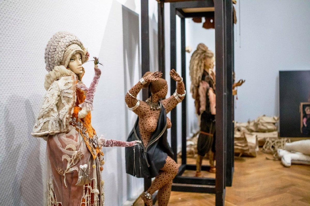 Выставка «Кукольные истории»