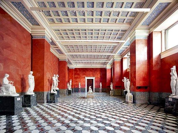 Выставка «Эрмитаж. Дворцы Санкт-Петербурга»