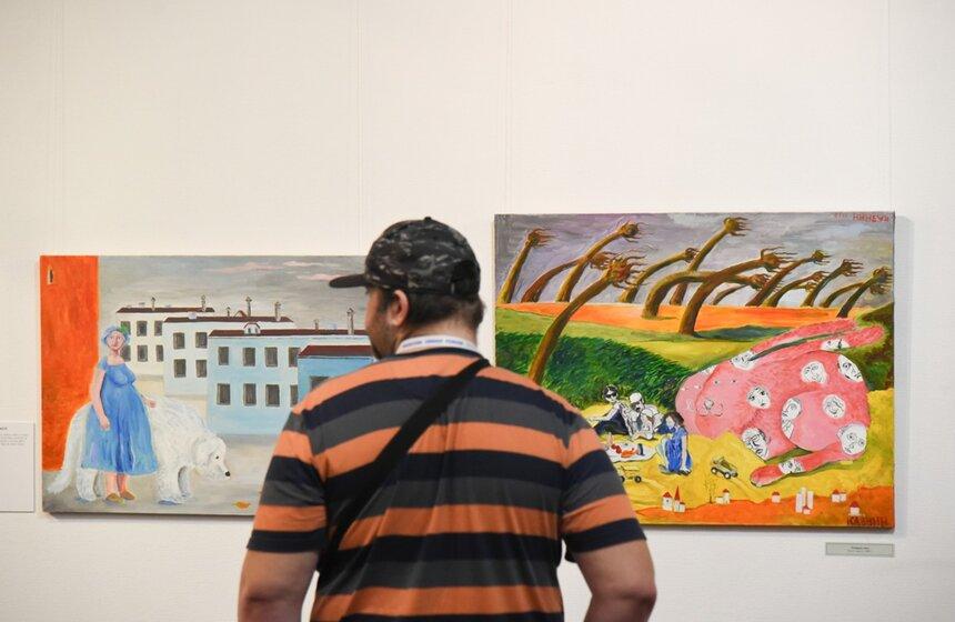 Выставка «Большое ималенькое»