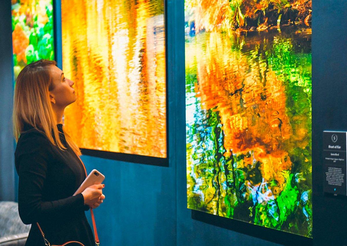 Выставка-продажа фотографии искульптуры вSurround Art Gallery