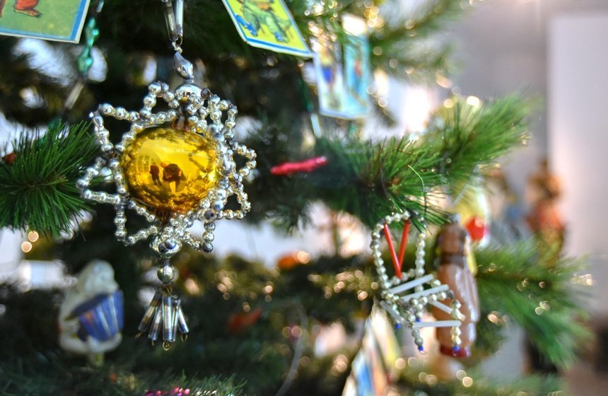 Выставка «История новогодней игрушки»