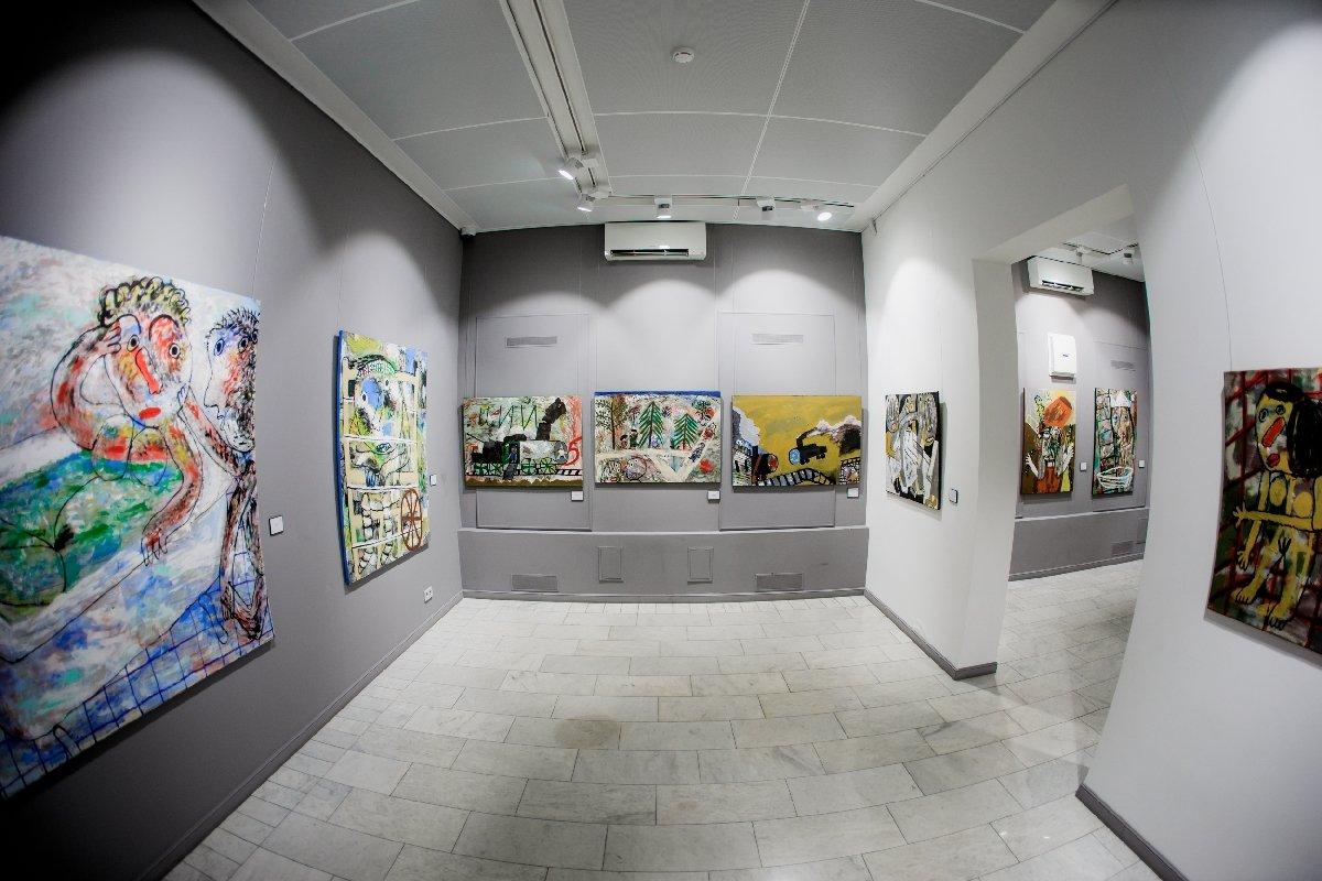 Выставка «Олег Ланг. Впарке Чаир»