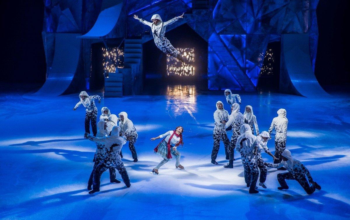 Шоу Cirque duSoleil нальду «Crystal» 2019