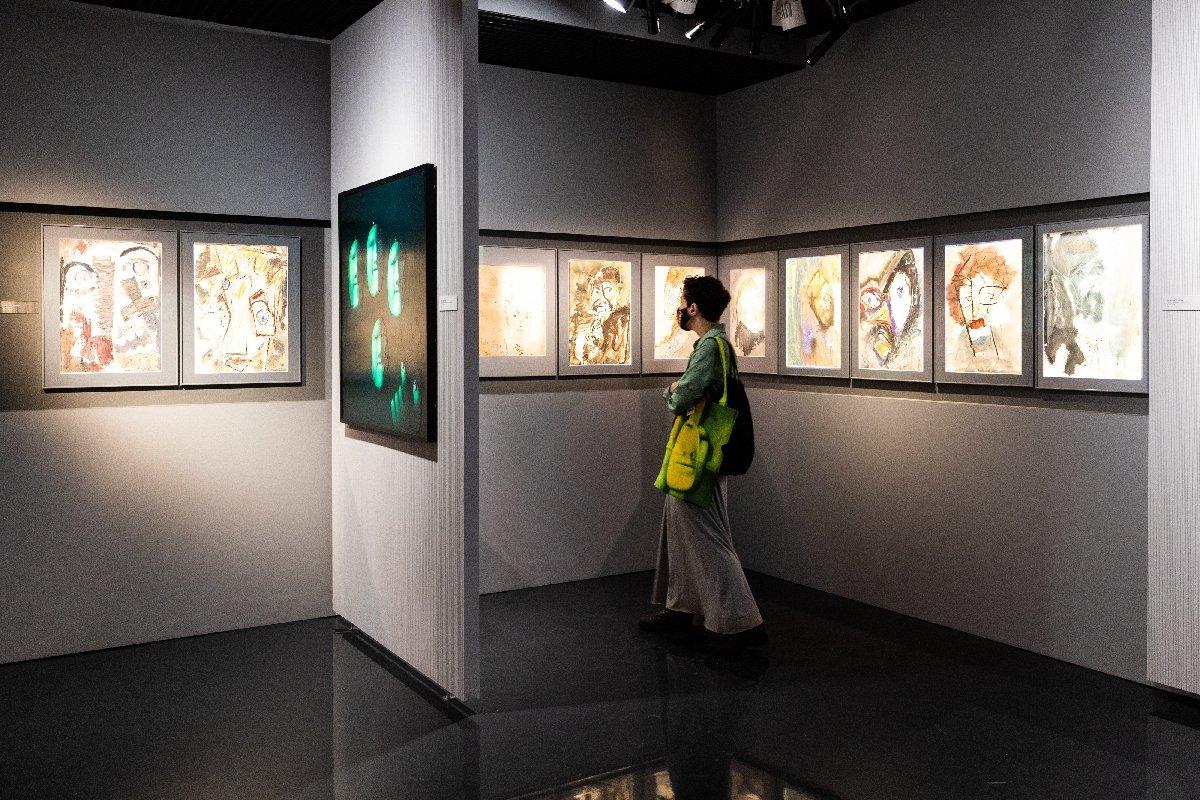 Выставка «Лица, Лики, Морды»