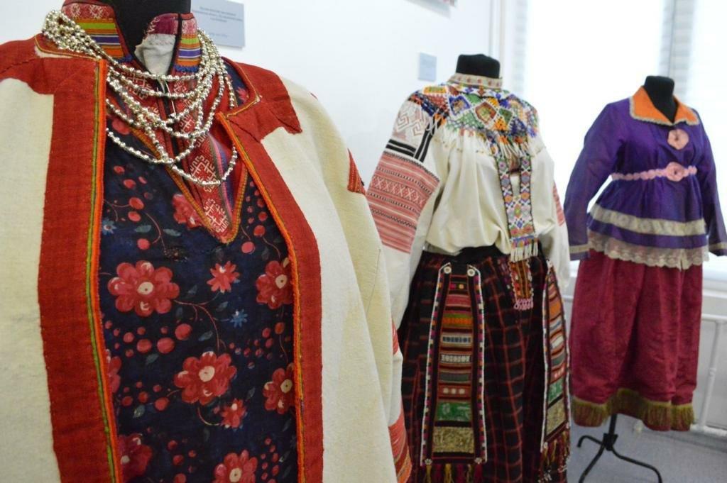 Выставка «Традиционный русский костюм»