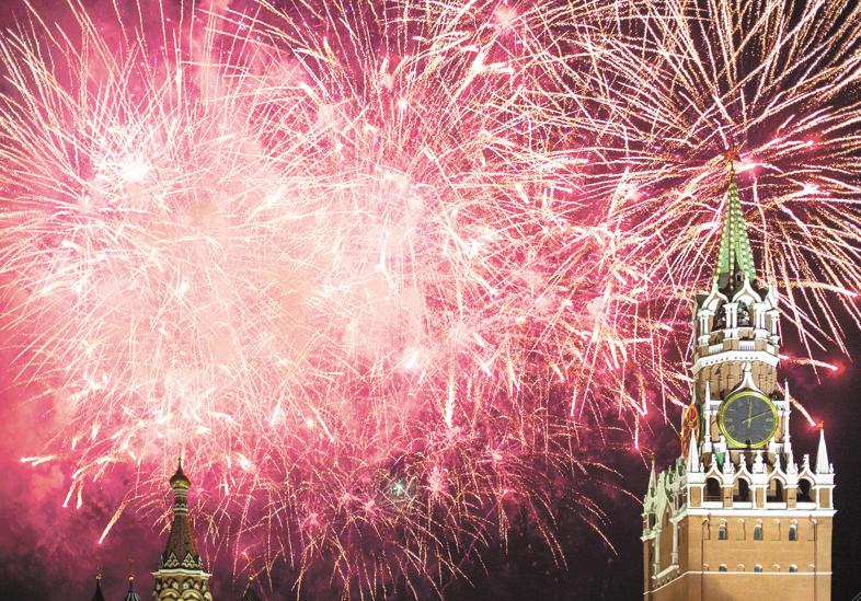 Новогодний салют 2019 вМоскве
