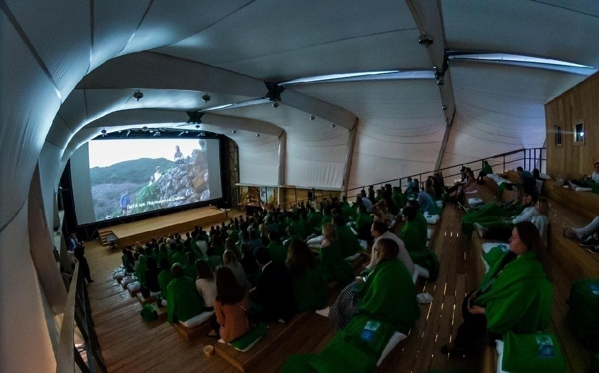 Бесплатные показы вЛетнем кинотеатре ВДНХ 2021