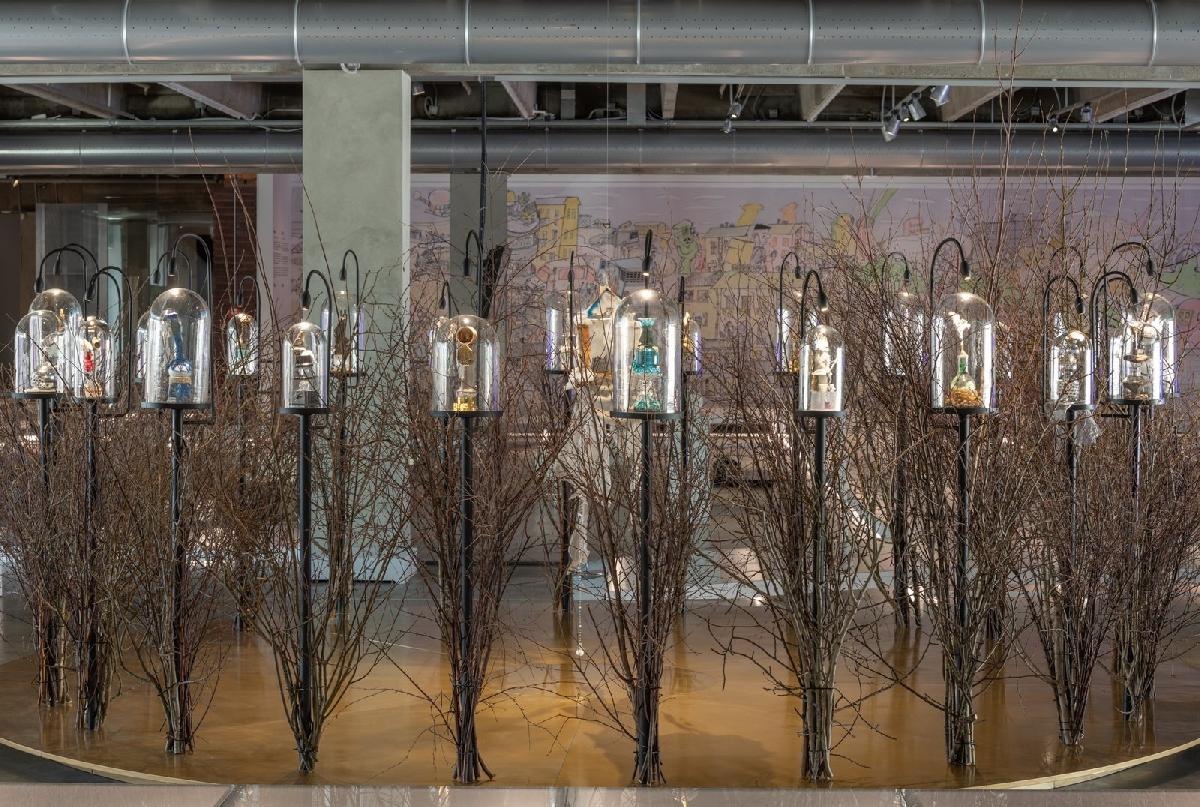 Выставка «Выбирая дистанцию: спекуляции, фейки, прогнозы вэпоху коронацена»