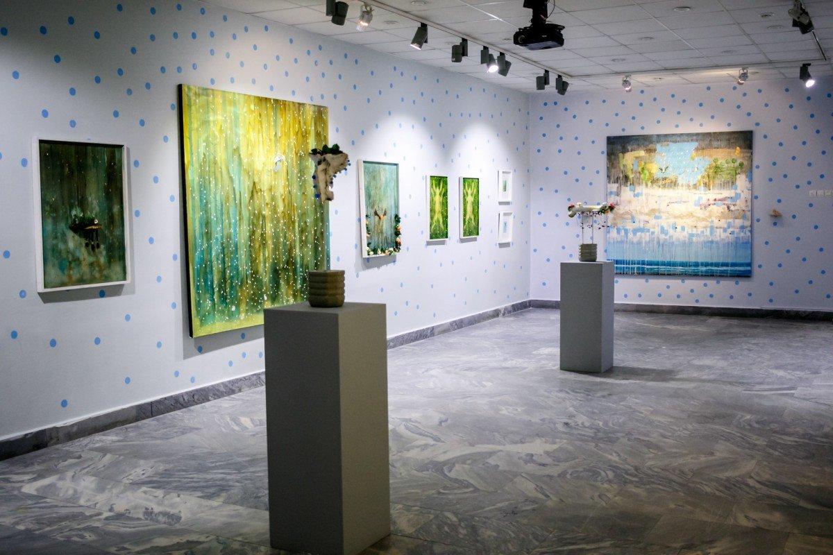 Выставка «E=hν»
