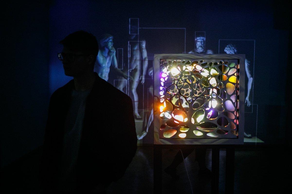 Выставка «Виртуальный реализм 1.0»