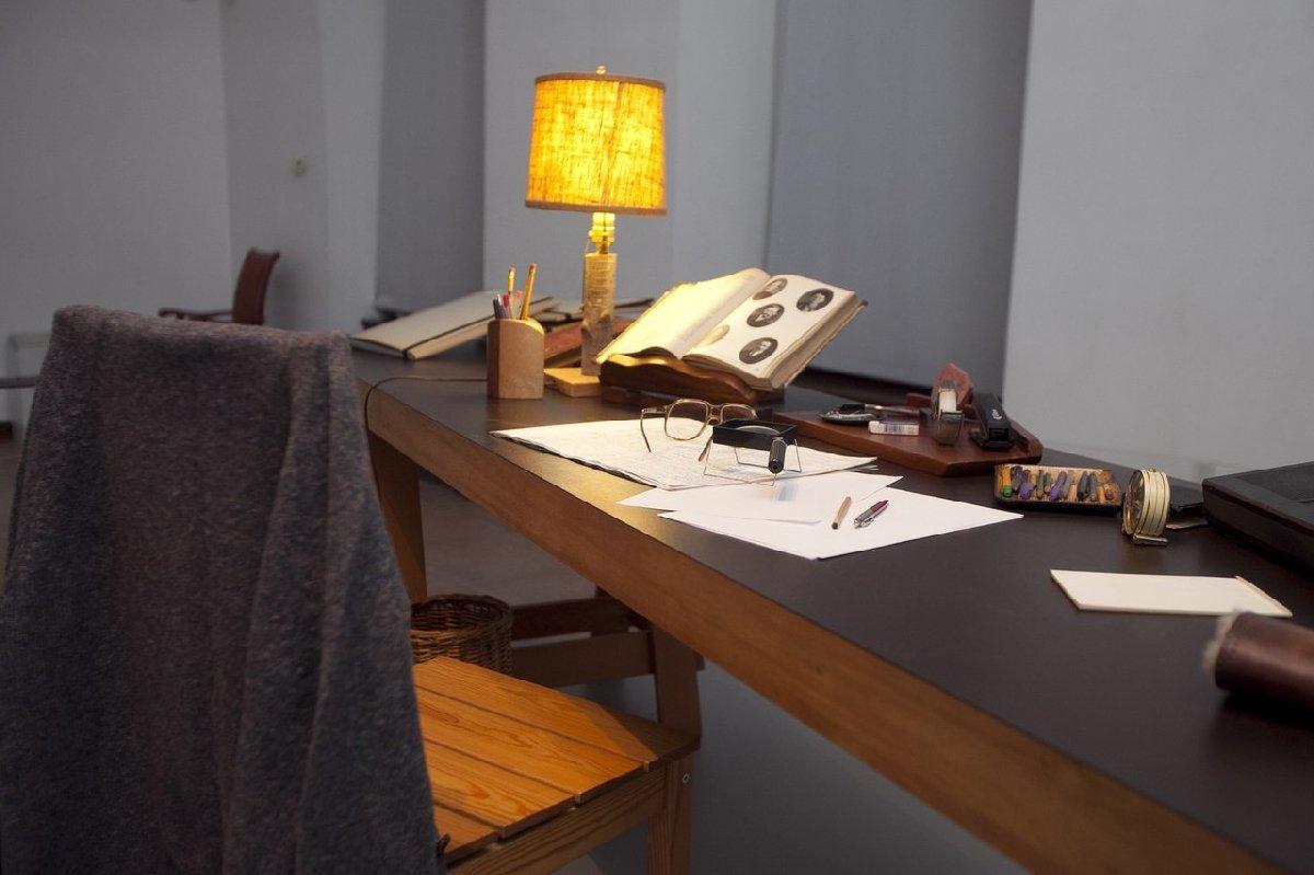 Выставка «Писатель итайна: Александр Солженицын»