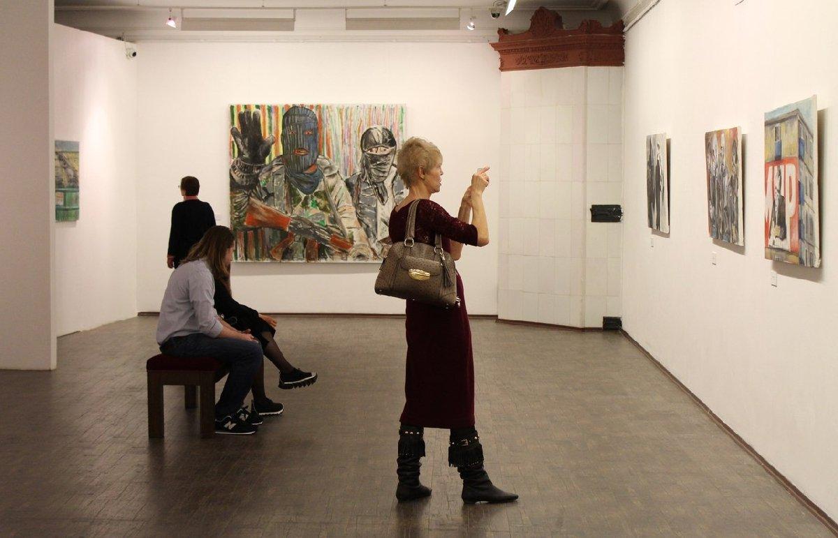 Выставка «Неудобные вещи»