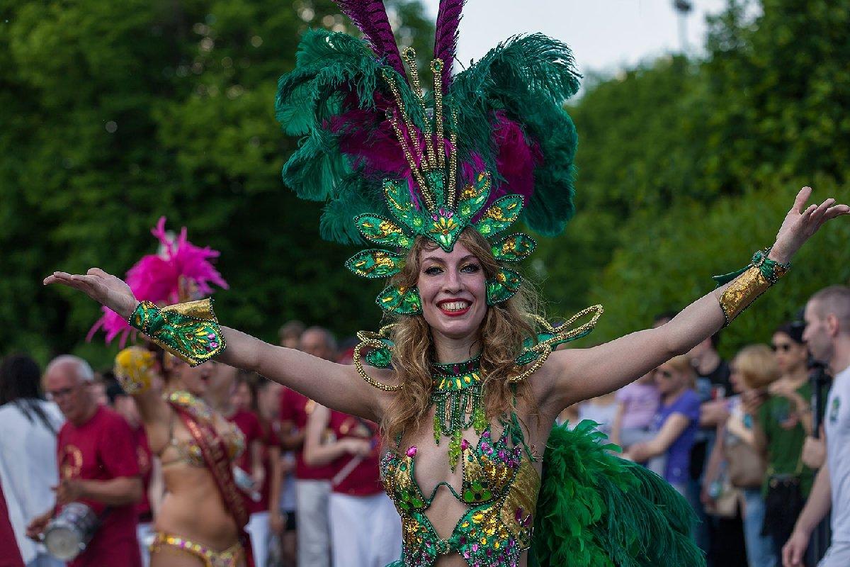 Бразильский карнавал вИзмайловском парке 2017
