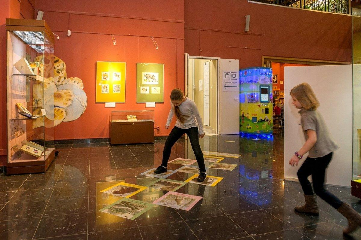 Выставка «Детки вклетке»