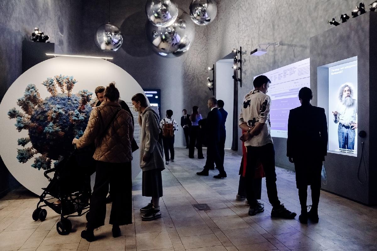 Выставка «Жизнь свирусами»