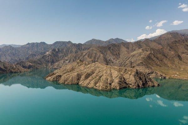 Выставка «Между небом иозером Иссык-Куль: 100 взглядов наКыргызстан»