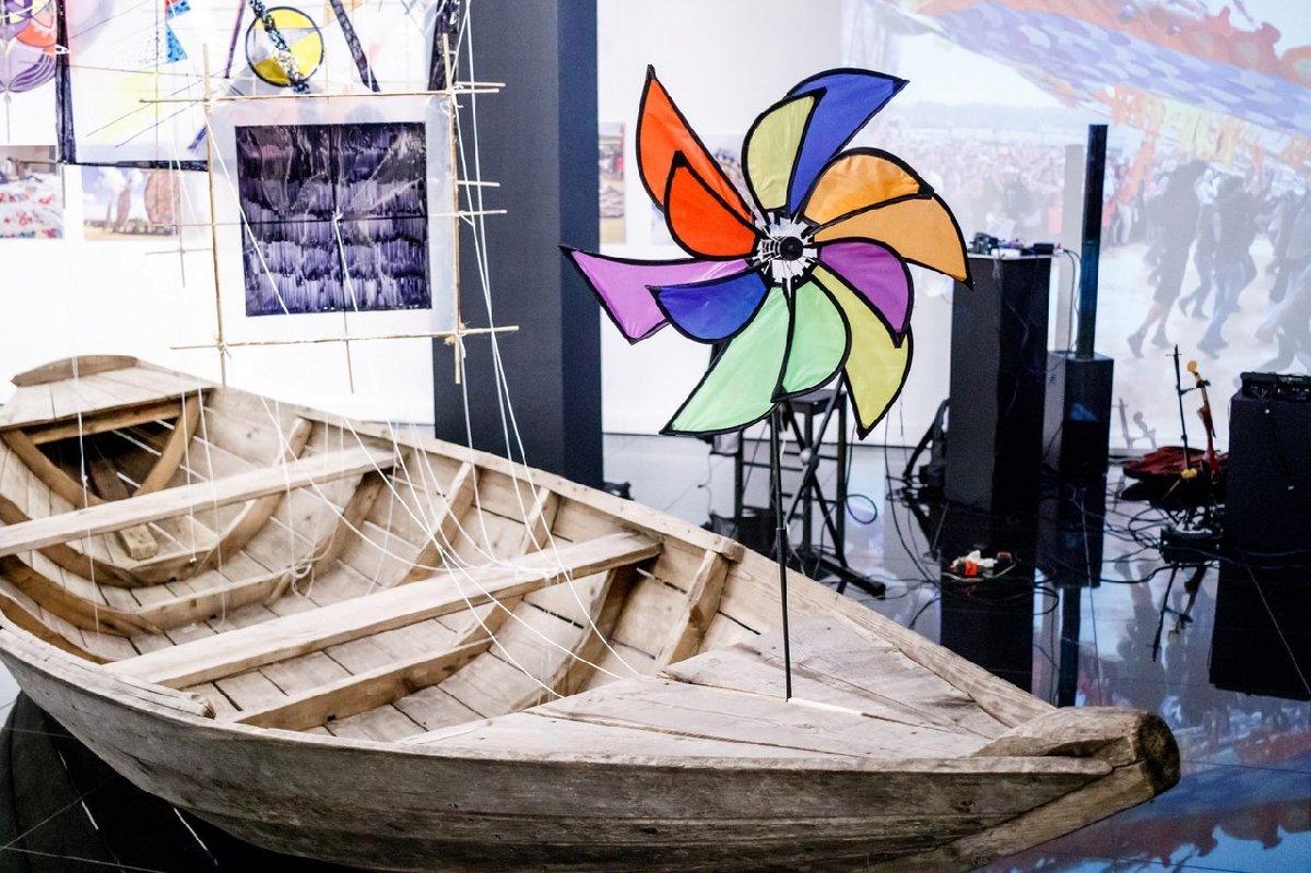 Выставка «Спутники ветра»