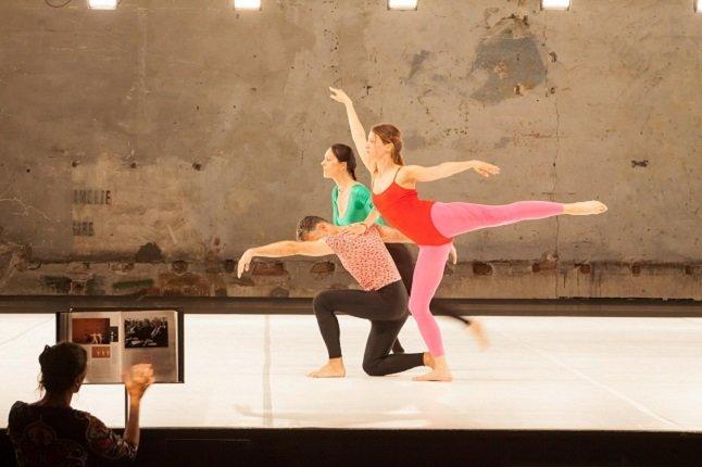 Танцевальный перформанс «Roman photo»