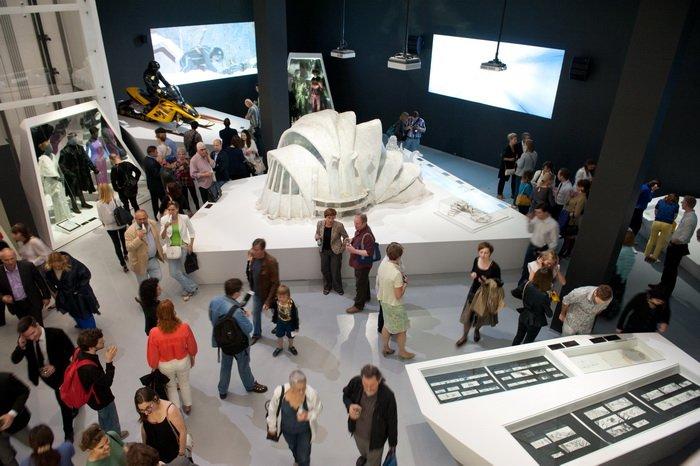 Выставка: «Дизайн 007: 50 лет стилю Джеймса Бонда»