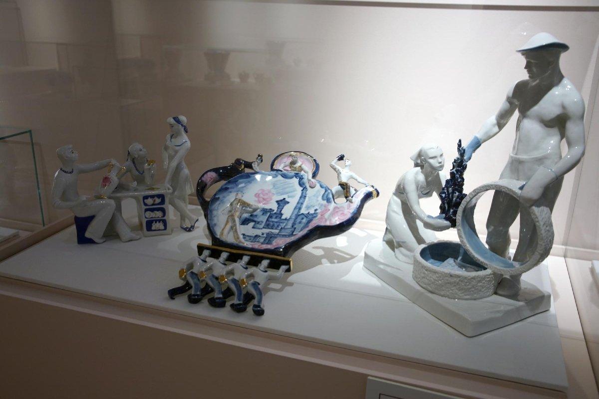 Выставка «Фарфор вРоссии: истоки итрадиции»